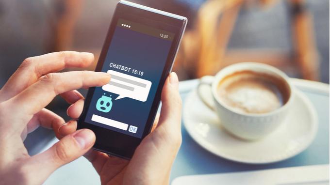 Servicio al cliente a través de chatbot para móvil.