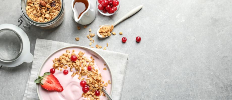 Tazón de yogurt y granola